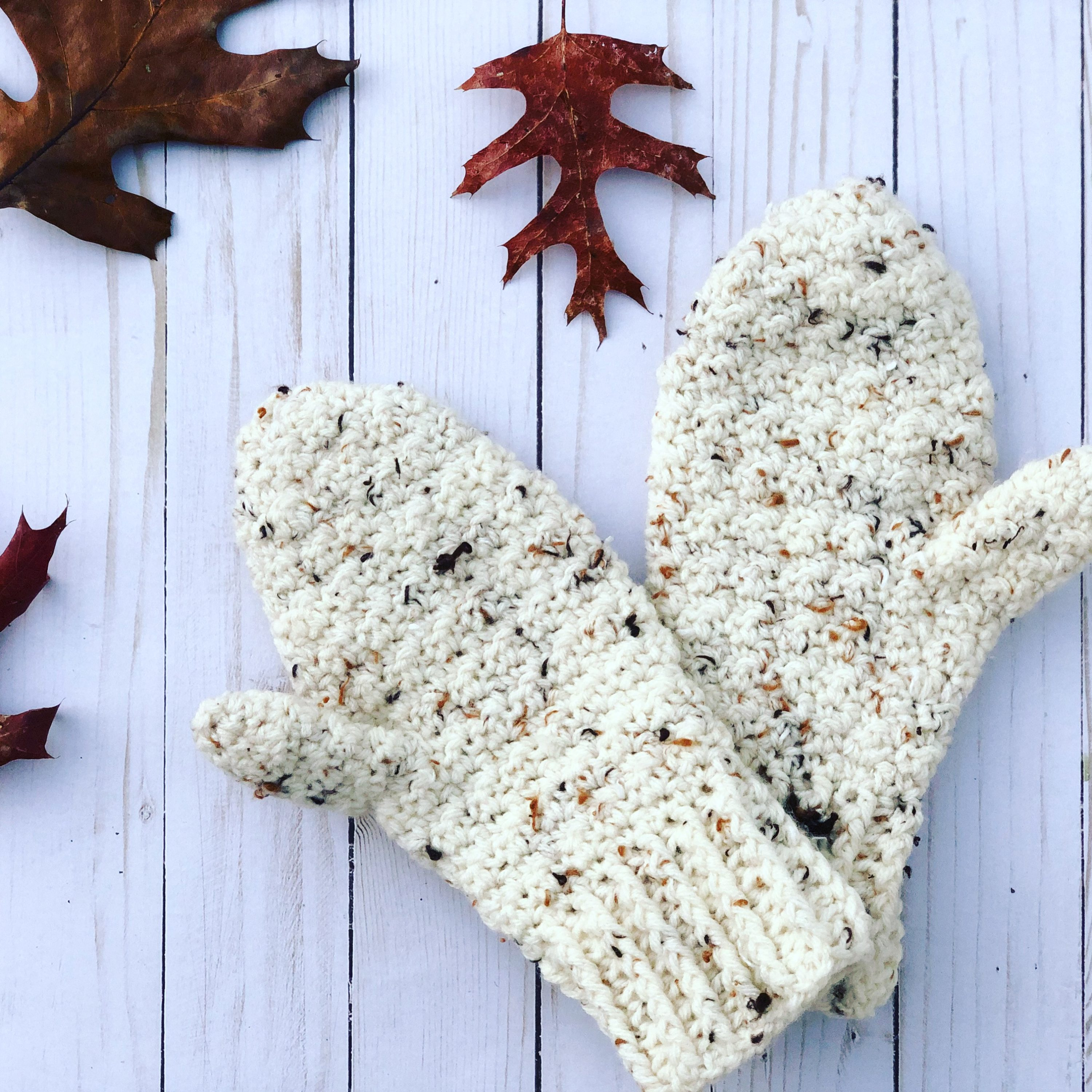 Lemon Peel Mittens, a crochet pattern for beginners. It's a quick one skein project.