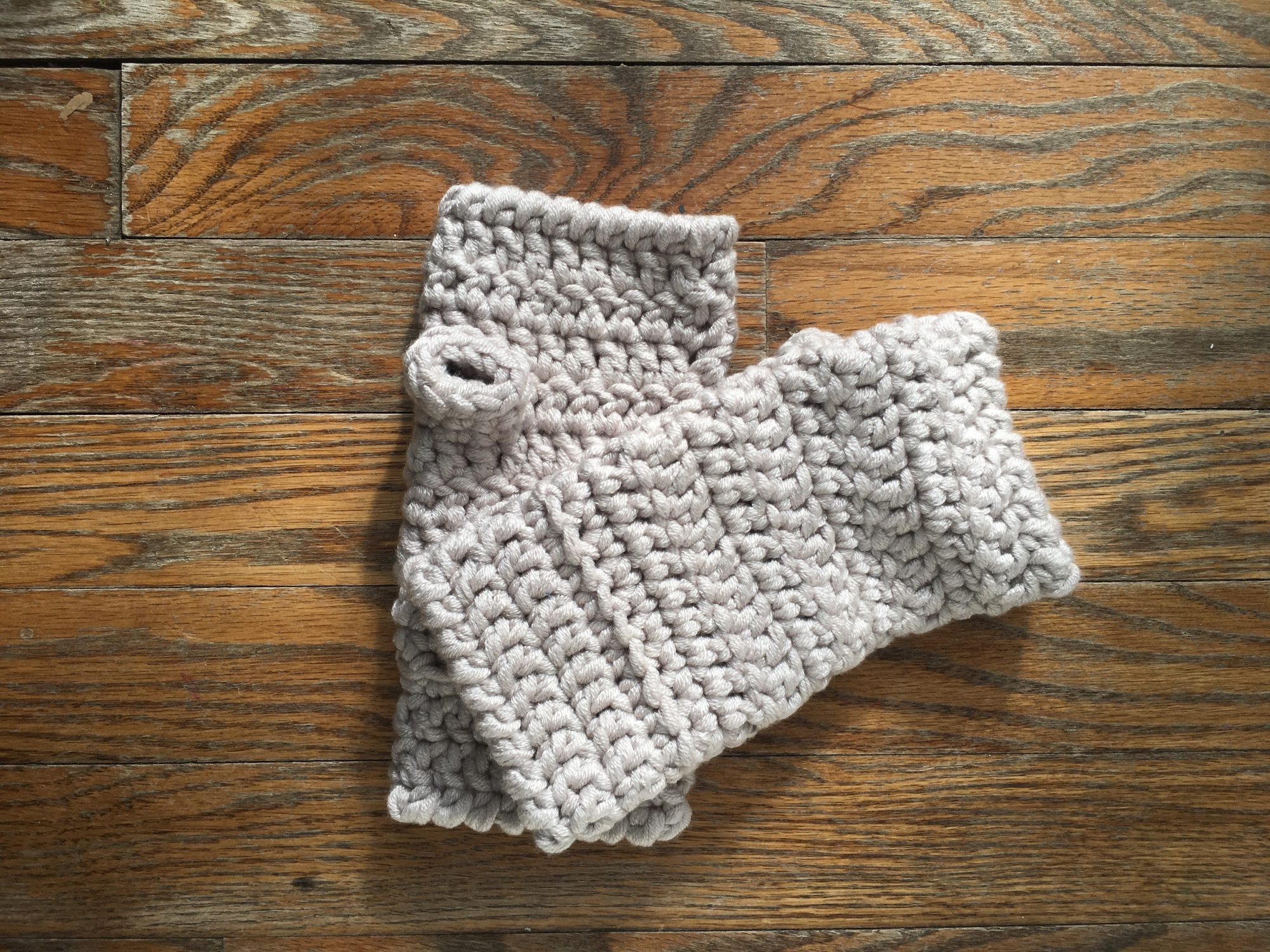 Fingerless Mitts made with a bulky yarn.